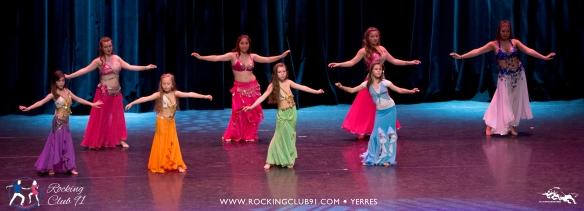 Gala du Rocking Club 91 : Madison et ses élèves en Danse Orientale - mai 2017.